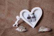 Фоторамка деревянная «Человек и сердце»